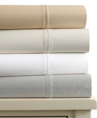 Slip into luxury. Sumptuously smooth 800-thread count Egyptian cotton transforms your bed into an indulgent oasis with this Charter Club sheet set. Flat sheet and pillowcases are finished with hemstitch detail.