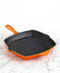 Enjoy rustic outdoor flavor right on your stovetop. Le Creuset's heavyweight, cast iron grill pan features high ridges, lifting food above collected fat for healthier cooking while creating signature grill marks to give meat and veggies that appetizing appearance. Limited lifetime warranty.