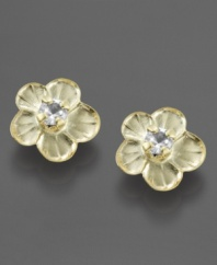 Flower power that's perfect for your favorite little girl. These lustrous 14k gold earrings feature sparkling cubic zirconia accents.