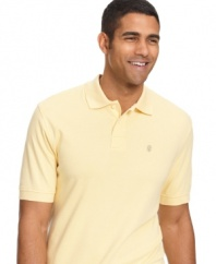 With the soft and versatile design of this cotton interlock polo from Izod, it's smooth sailing for your summertime wardrobe.