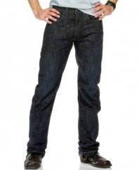 These rugged, straight leg jeans offer the classic style that you've come to expect from a pair of Levi's.