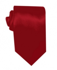 A lustrous solid tie is the perfect worry-free complement to your sophisticated office attire.