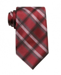Bring a few new lines to your look with this cool plaid tie from Perry Ellis.