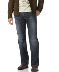 With a darker wash, these Guess jeans hit all the right notes in your wardrobe.