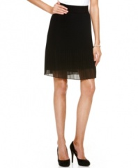 In an on-trend sheer chiffon, this Alfani A-line skirt features contrast pleating for a chic spring look!