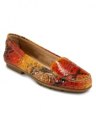 The Aerosoles Nu Day Flats work day in and day out with their classic moc-inspired cut and trendy exotic print.