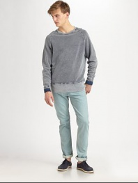 Classic straight-leg fit, in a light-blue wash that lends a summery feel, shaped in cool, comfortable cotton.Five-pocket styleInseam, about 33CottonMachine washImported