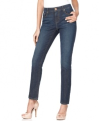 The ultimate petite skinnies from DKNY Jeans, with a touch of stretch for a great fit! The blue wash features just right amount of fading for a flattering look you'll wear all year long.